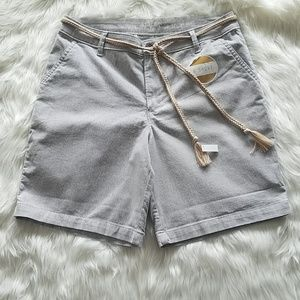 "Lee Riders Midrise Gray Pin Stripped 6"" Shorts"